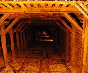 emply mine shaft.jpg