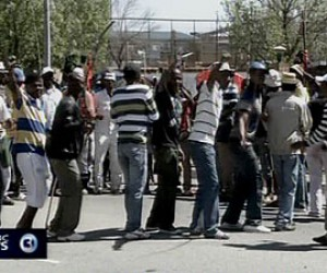 Mine workers strike against loss of jobs