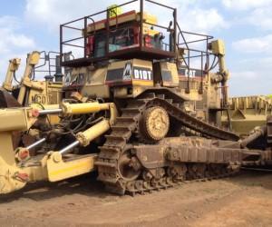 CAT D10T.jpg